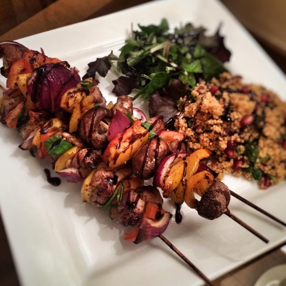 Pomegranate Glazed Chicken Kebabs – 9sp – Skinny Kitchen Secrets
