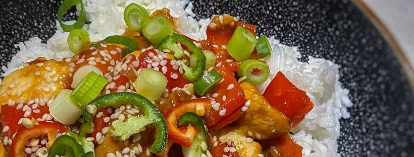Sticky Chilli Chicken Recipe by Skinny Kitchen Secrets | Gourmet Weight Watchers Recipes